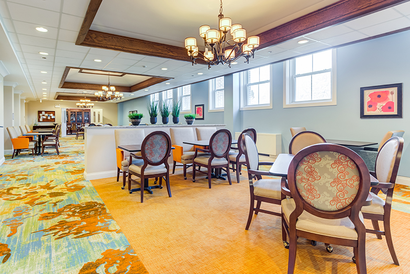 amazing-grace-senior-Dining-Room-Feature-2.jpg