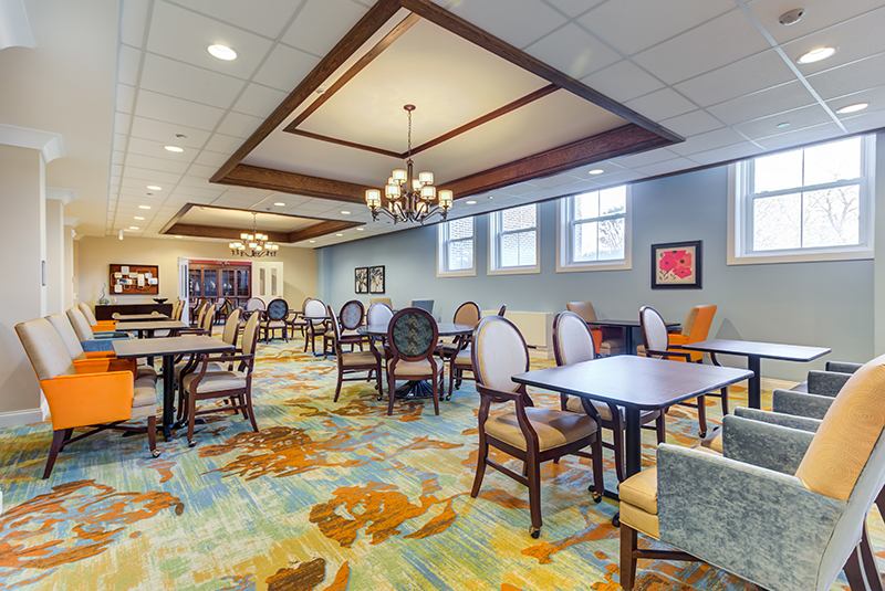 amazing-grace-senior-Dining-Room-Feature.jpg